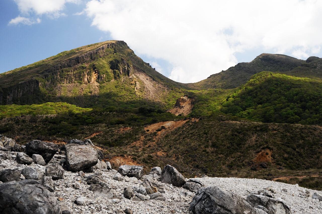 韓国岳 からくにだけ – 霧島えびの高原