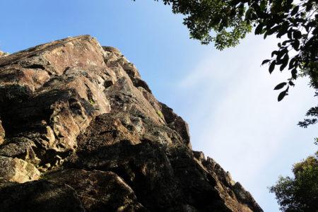 金峰山不動岩で懸垂下降