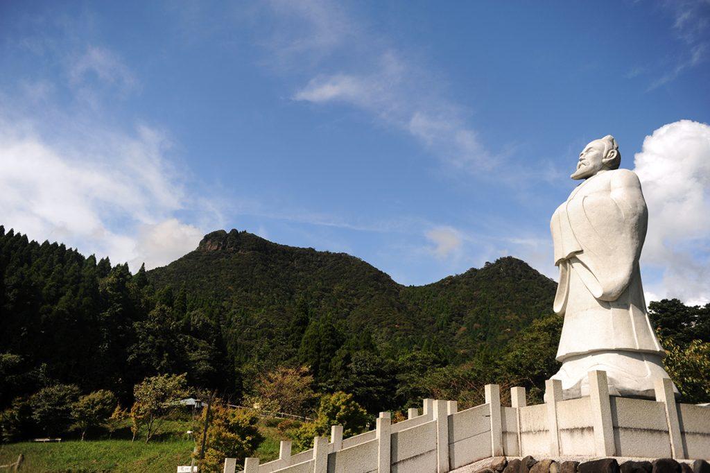 冠岳登山 徐福像~西岳