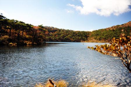 甑岳登山 秋の湖畔