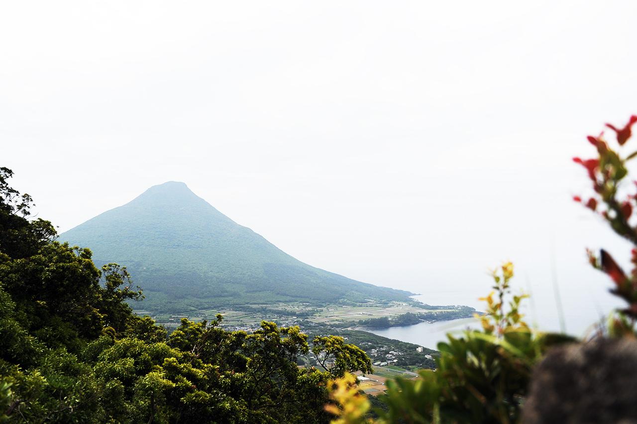 矢筈岳登山 西郷ドン岩てっぺんからの眺めが最高